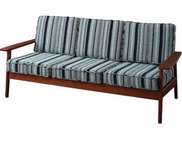 カフェスタイル、天然木無垢のタモ材を使用した木肘ソファ